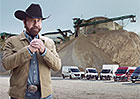 Chuck Norris a Fiat Ducato září v nové reklamě. Zajímavější honičku s dodávkou jste neviděli!
