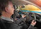 V Německu testují auto s dvěma volanty. K čemu taková podivnost slouží?