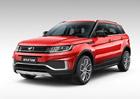 Proslulá čínská kopie Range Roveru má po faceliftu. Od originálu se více odlišila
