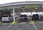 Létající SUV: Řidič v Americe zazmatkoval a přelétl jiné auto