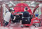 Video: Podívejte se, jak se vyrábí Tesla Model 3