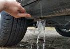 Auto může zadržovat neuvěřitelné množství vody. A na místech, o nichž nemáte tušení