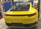 Je toto první snímek nového Porsche 911? Zadní partie naznačují, že ano!