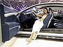 Nejkrásnější modelky z ženevského autosalonu na videu