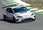 Závodní elektromobil Cupra e-Racer se již prohání po závodních okruzích