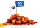 Skandál v továrnách Volkswagenu! V kantýnách oblíbený currywurst nechutná tak jako dříve