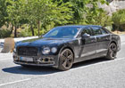 Bentley Flying Spur zachycen špiony. V útrobách má plug-in hybrid