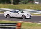 Letitý Hyundai i40 se dočká nástupce. Už se prohání na Nürburgringu!