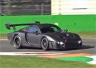 Nové Porsche 935 řádilo na závodním okruhu. Poslechněte si jeho přeplňovaný šestiválec!