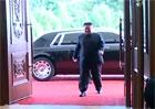 Kim Čong-un se dočkal nového povozu. Sankcím navzdory vyměnil Mercedes za Rolls-Royce