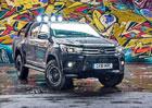 Toyota Hilux Invincible 50 je stylovou oslavou výročí i vzpomínkou na slavný filmový pick-up
