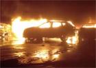 Rána pro Maserati! Stovky aut mu shořely v italském přístavu