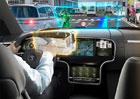 Průhledový displej s rozšířenou realitou umožní řidičům aut vidět data trojrozměrně