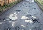 Známe nejhorší díry na českých silnicích. Nejsou náhodou ve vašem kraji?
