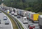 Země EU chtějí u nákladních aut v roce 2030 o 30 procent nižší emise