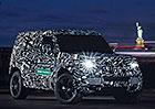 Nový Land Rover Defender se odhaluje na špionážních fotkách. A prozrazuje detaily o vývoji