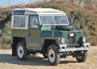 Na prodej je odlehčený Land Rover Series III: Zhubl kvůli armádě