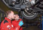 Proč nesmím být u opravy svého auta? Za určitých podmínek to možné je