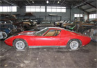 Další famózní nález vopuštěné stodole. 81 automobilových klasik teď míří do aukce