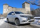 Jízdní dojmy s Mitsubishi Outlander PHEV: Král dvojí krve