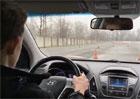 Šestnáctiletý chlapec poprvé usedl za volant. Smyky vybíral jedna radost