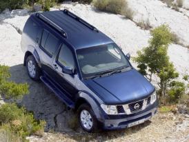 Nissan v Ženevě 2005