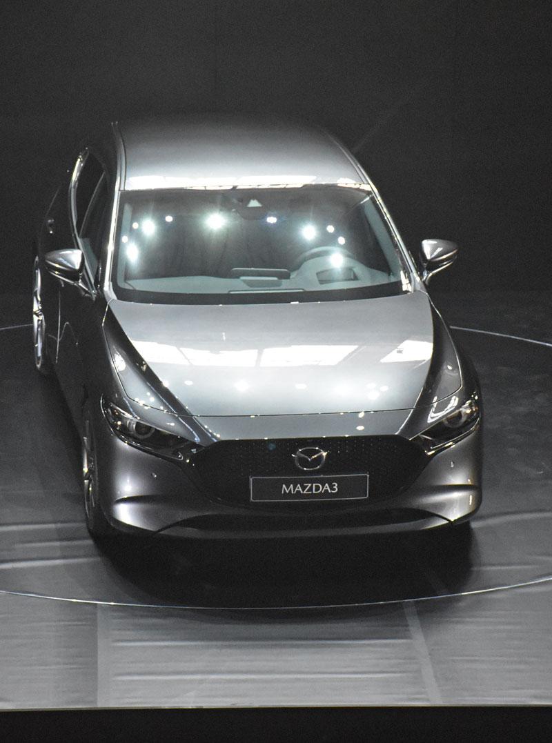 2018 - [Mazda] 3 IV - Page 17 Mazda_3_102_5c127970d8537