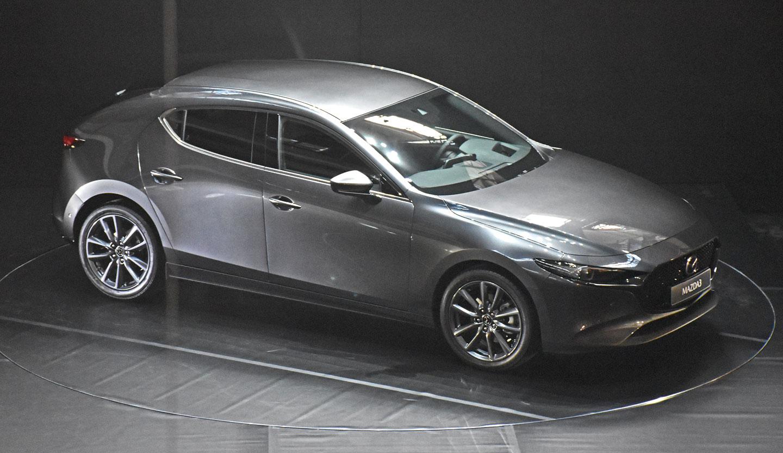 2018 - [Mazda] 3 IV - Page 17 Mazda_3_200_5c1279713c526